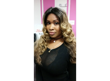 Customer Selfie in our Premium Lace Front Wig Honey Blonde